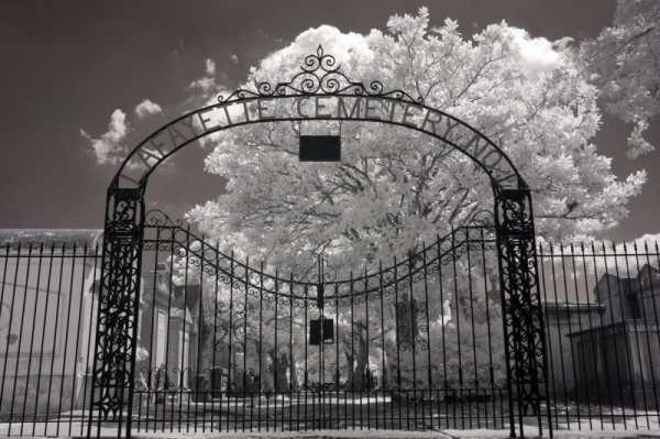 Lafayette Cemetery, New Orleans, Louisiana | black & white infrared photography |